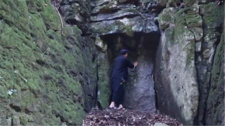 """贵州深山发现""""青铜门"""",至今没人打开,当地人说那是藏宝洞"""