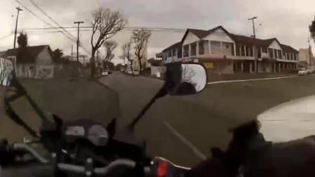 机车摩托路过遇上改装速腾,不飙一下都说不过去了