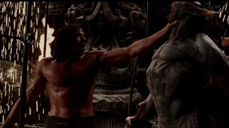 范海辛:范海辛为拯救人类,变身狼战吸血鬼,德古拉被虐