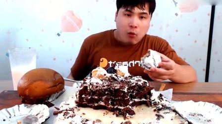 大胃王吃播胖哥,巧克力奶油蛋糕,烤面包喝牛奶