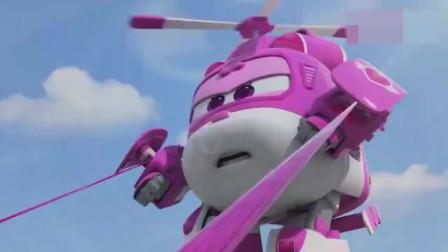 大家穿上机器人套装进行画画时遇阻,幸好金刚及时出现清除障碍