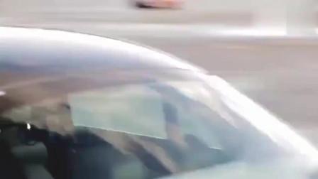 F1车王舒马赫试驾奔驰,撞人的瞬间才知道车王的车技是哪种境界!