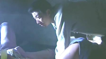 小兵张嘎:纯刚半趁孩子们睡着了,偷偷摸嘎子的衣服,内奸?