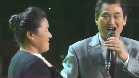 朱之文妻子首秀唱功,朱之文全场牵手驻场,太甜蜜幸福了!