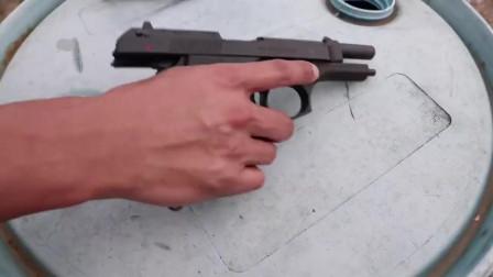老外测试经典的自动手枪靶场射击,无限制速射,故障率基本为零!