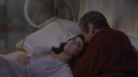 埃及艳后:艳后即将就寝, 凯撒穿着睡衣进去了, 这是要干嘛!