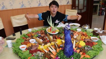 """试吃588一桌的""""傣族孔雀宴手抓饭"""",满满一桌菜堪比满汉全席"""