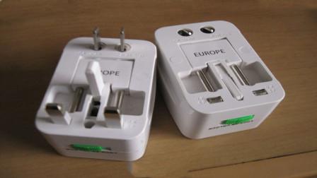 为什么日本的插座要设计的一长一短,有什么作用?今天算长见识了
