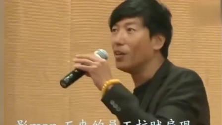 """""""香港:乌鸦哥""""张耀扬用港式普通话演唱歌曲《爱我别走》,莫名的好听"""