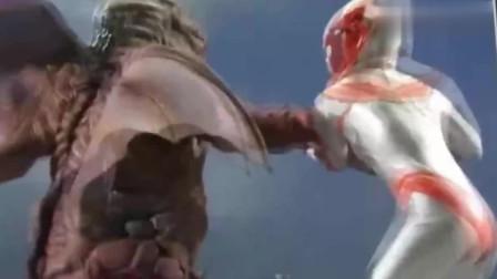 女奥特曼苍月,热血战士与怪兽决斗,来看看结果怎么样