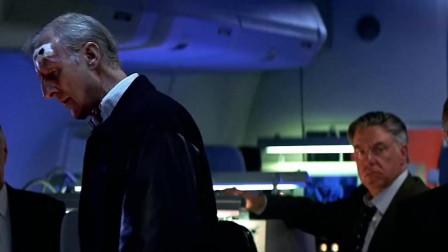 """一部核危机电影,""""美国""""航母遭受俄轰炸机轰炸,差点炸沉"""