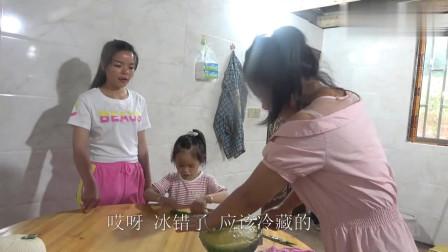 农村小英子:英子小妹在家自制西瓜果冻,做法简单易学,Q弹水润