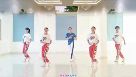 云裳广场舞《潇洒走一回》肖肖原创动感时尚流行舞 谢渡健身队版