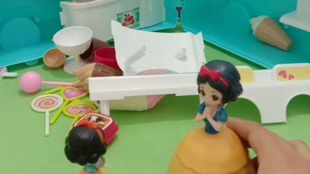 白雪被赶出王宫就自己开了一个糕点店,贝儿却去把白雪的店铺砸了,白雪该怎么办呢?