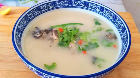 鲫鱼汤正宗的做法,汤汁浓白如牛奶,一点腥味儿都没有
