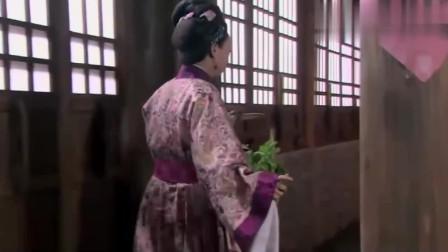 武松:王婆看到西门庆跟潘金莲的好事成了,赶紧演戏,真会装!