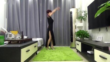 在家找不到舞伴自己跳  爱不在就放手 星姐原版视频