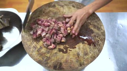 """厨师长教你:""""川味牛肉面""""的家常做法"""