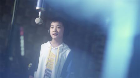 男孩深情演唱《手心的太阳》,投射最暖的光芒!