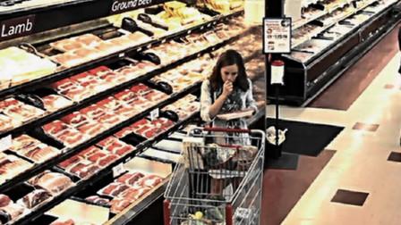 影视:女子怀孕后性情大变,站超市吃生肉,连生孩子都自己拿刀上