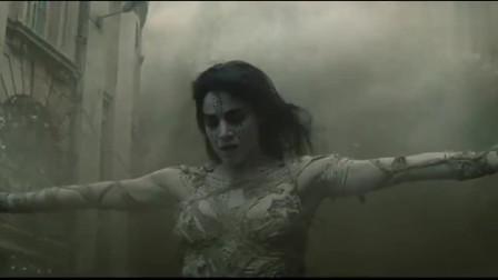 女木乃伊太过强大,挣脱枷锁后召唤出了漫天的沙尘暴!