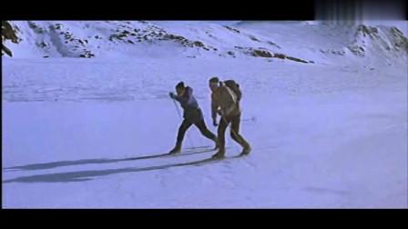 经典老电影《雪地英雄》,盟军小队与敌人在雪地展开嗜血大追击