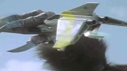 戴拿战幻影怪兽受阻,人类用智慧保护奥特曼