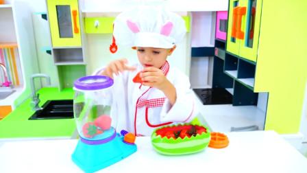 小女孩进厨房做出美味披萨!男孩直流口水,干家务换披萨吃