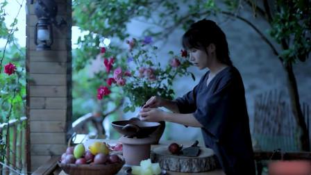 具有百种果香味的百香果,到了李子柒手中,吃法一抓一大把