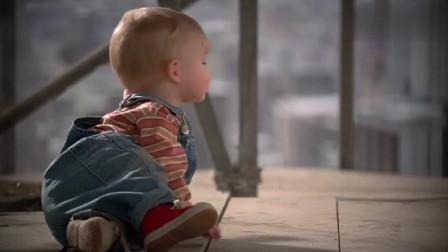 小鬼当街:宝宝人小鬼大,戏耍笨贼,画面太魔性!
