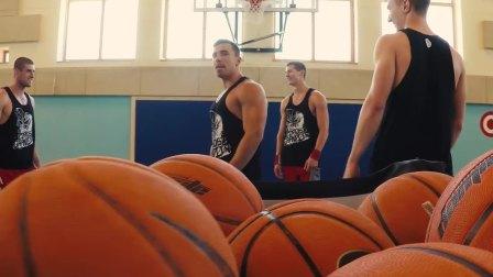 超帅极限花式篮球表演前空翻接力暴扣篮