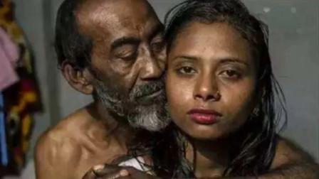 """印度水妻处境悲惨,不仅要伺候公公,还要为丈夫""""取水"""""""
