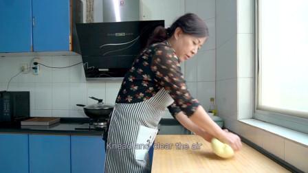 西北小强:香脆烤黄油面包,妈妈为啥尴尬了!