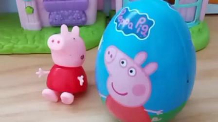 佩奇有一个奇趣蛋,说里面放了好吃的巧克力,乔治猜对数量就可以吃