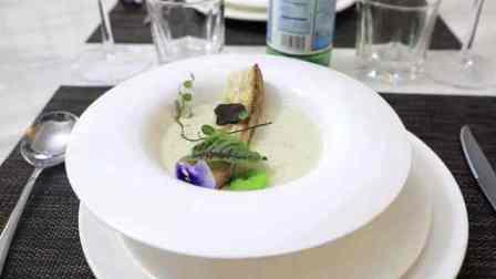 香港警察退役开意大利餐厅:埃及大厨,招牌菜黑松露蘑菇奶油汤