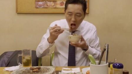 深夜放毒系列:盐烤牛舌搭配芝麻盐和芝麻油,这吃起来真是爽