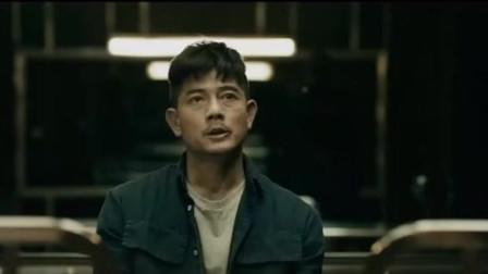 无双:郭富城怎么也没想到自己会在警察局与前女友相见吧