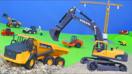 最新挖掘机视频表演10012大卡车运输挖土机+挖机工作+工程车