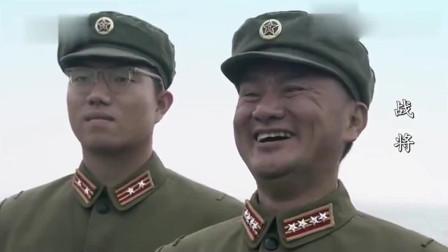 战将韩先楚出任福建员与昔日老战友重聚, 指挥炮轰金门