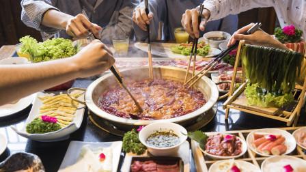 为什么吃火锅,北方人喜欢蘸芝麻酱,南方人却喜欢蘸油碟?