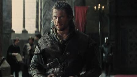 女王召见烂醉如泥的猎人,命他将公主从黑森林里抓回来,还承诺会令他亡妻重生