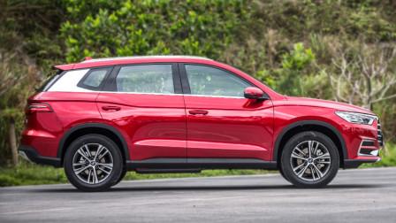 """比亚迪""""厉害""""!9万块SUV上市第2月销量破万,轴距2.7米,油耗6.8!"""