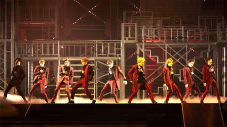 EXO最巅峰时期的演出现场:是个女的都会爱他们,太帅了