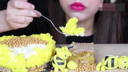 千层蛋糕,蜂蜜块,精致的小蜂蜜