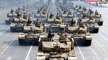新中国成立70周年阅兵装备方队接受检阅
