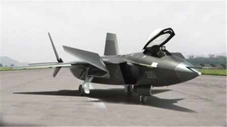中国隐形战机亮相,美国察出大秘密,韩国随之感叹