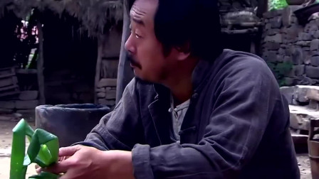 武工队传奇:王亮妻管严,本想说老娘们,一看方佳马上改口