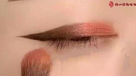 美妆教程:教你如何用黑色眉笔搭配眼影画出完美眼妆!女生的小心机