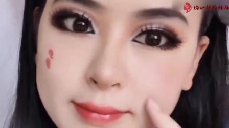 美妆教程:中国女孩教你画印度妆,赶紧来看吧!