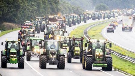 拒绝成为气候变化的替罪羊!数千荷兰农民开拖拉机上高速